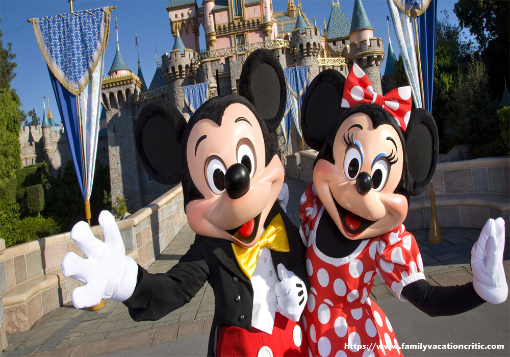 Top Disney Vacation Experts to Follow on Twitter
